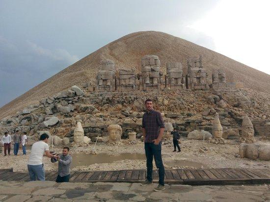 Mount Nemrut: heykeller