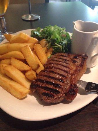 Holiday Inn Gloucester - Cheltenham: Steak and chips. Delish