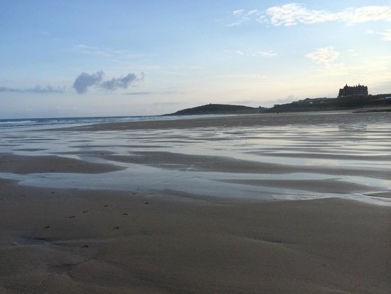 Fistral Beach Hotel and Spa : Fistral beach walk 7am