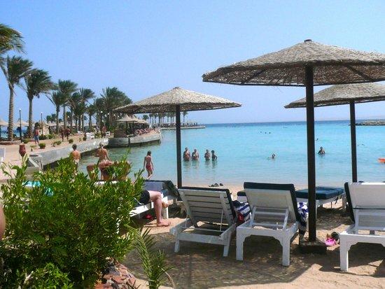 Bel Air Azur Resort: пляж, песчаный заход