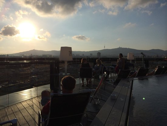 Barcelo Raval: Sunset on roof