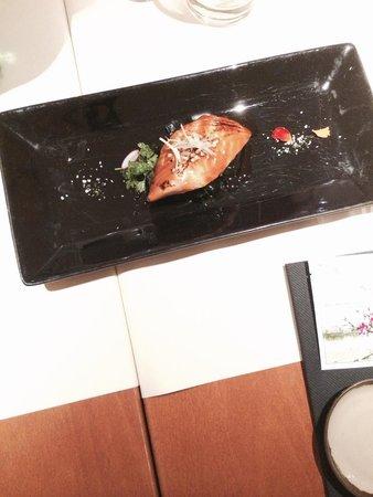 Sakana Sushi: salmone