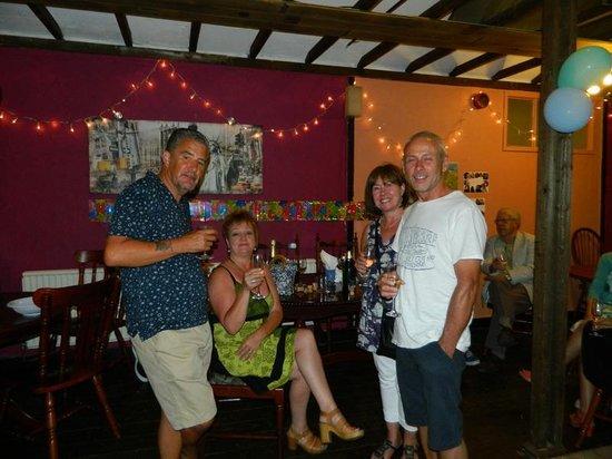 Bryn Mor Beach Hotel: party room/bar