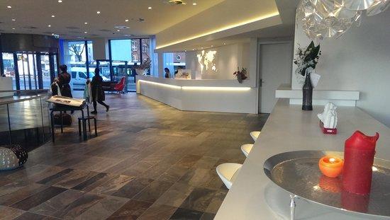 Mainport Hotel: De lobby