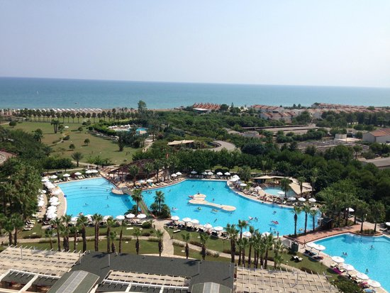 Barut Lara: 9th floor