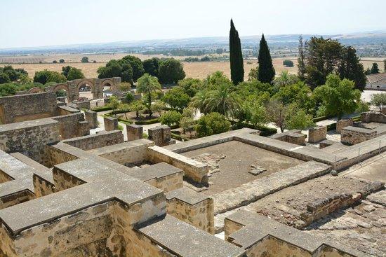 Conjunto Arqueológico Madinat Al-Zahra: Vista de parte del recinto arqueológico