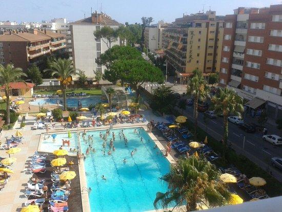 Piscine picture of ght oasis park spa lloret de mar for Piscine 5eme