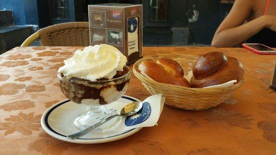 Gran Cafe Solaire: Granita caffè con doppia panna
