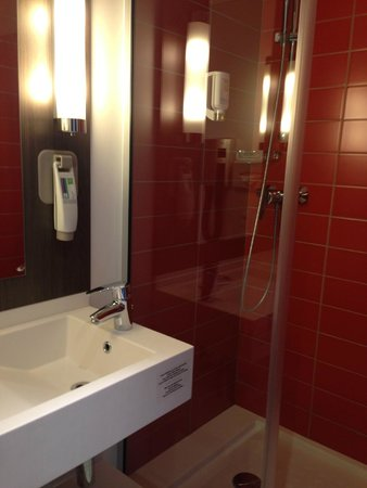 Ibis Styles Lyon Centre Gare Part-Dieu: 部屋は至ってシンプル