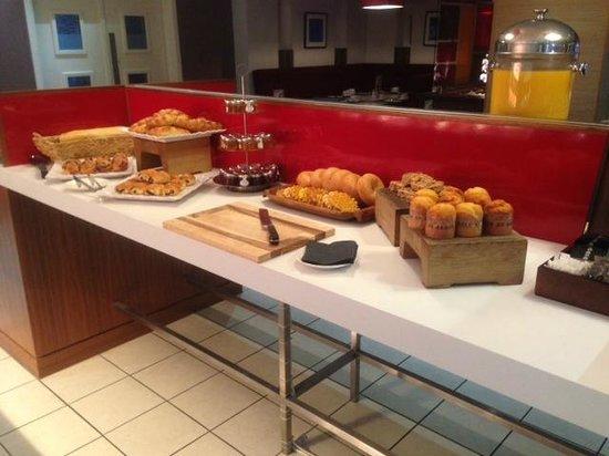 Elements Restaurant - Leeds: Pastries corner