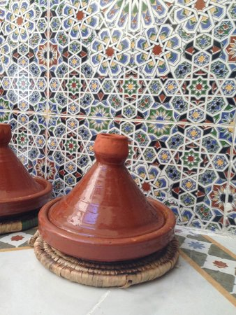 Marrakech Urban Adventures: Berber Tagine and amazing tiles!