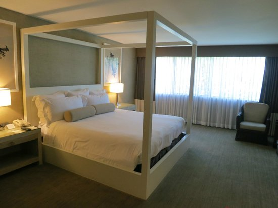 Luxe Sunset Boulevard Hotel: Spacy room