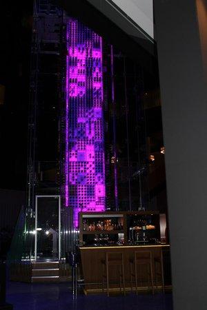 Radisson Blu Hotel, Zurich Airport: angels wine bar