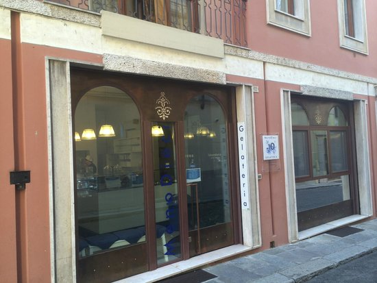 Fiorenzuola d'Arda, Italy: Gelateria MenoDieci