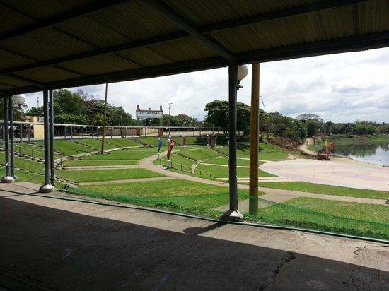 Marikina River Park: River2