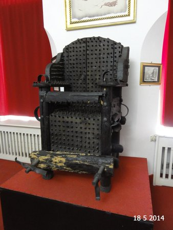 Museum of Medieval Torture : Inquisitors Chair