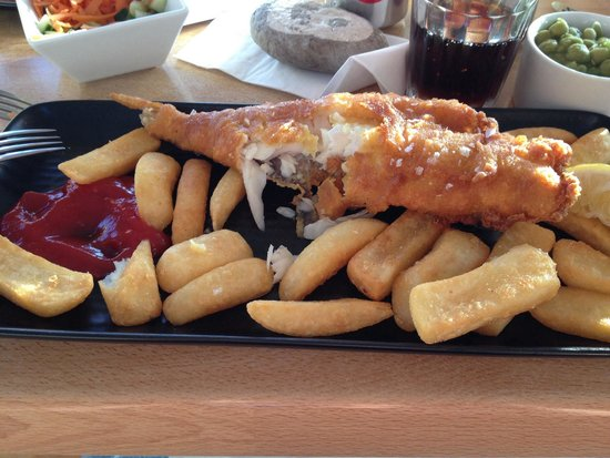 Billy's on the Beach: Small fish and chips