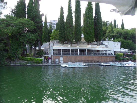 Hotel Del Lago : l'hotel visto dal lago