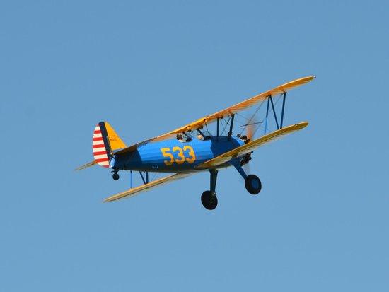 Vintage Aeroplane Europe AB: Stearman in flight