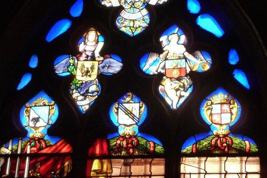 Collégiale Notre-Dame de Dole : A l'intérieur de la petite chapelle au fond