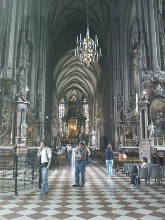 Stephansdom: Inside the catherdral