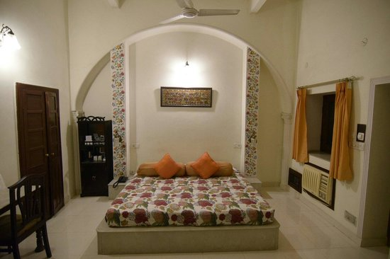 Dera Rawatsar: Bella camera spaziosa e pulitissima