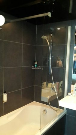 Best Western Plus Design & Spa Bassin D'Arcachon : Good shower and water pressure