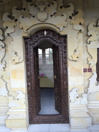 Pondok Bulan Mas: Entrance to room with balcony