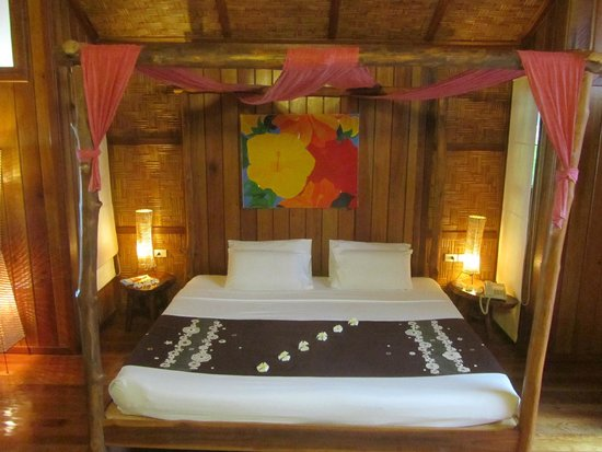 Coral Bay Resort: Royale bedden