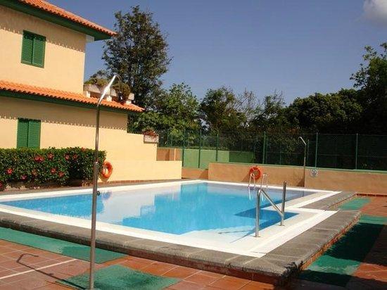 Apartamentos Los Geranios II: Piscina