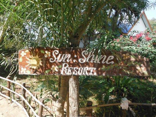 Sunshine Beach Resort: Gartenanlage