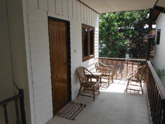 Sunshine Beach Resort: Balkon des Bungalows