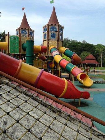 Perdana Botanical Garden: Playground 2