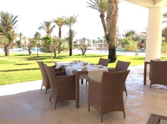 Hasdrubal Prestige Thalassa & Spa Djerba: Vue sur lagune au petit dejeuner