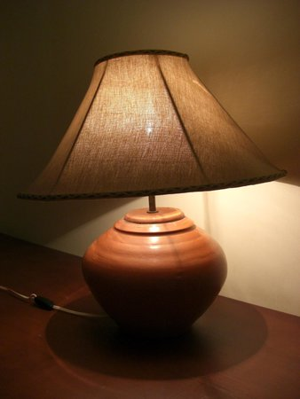 The Tamarind Tree Hotel : Lamp