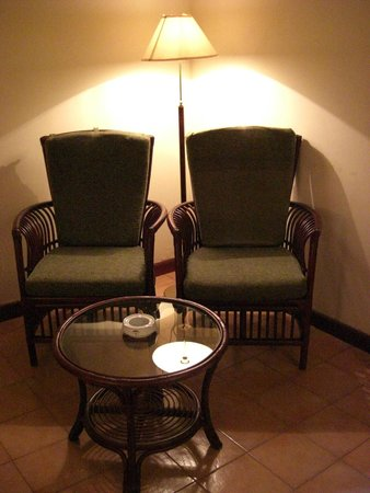 The Tamarind Tree Hotel : Chairs