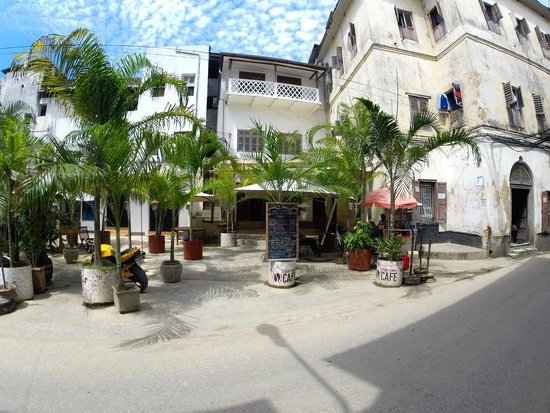 Stone Town Cafe and Bed & Breakfast: Outside view of the cafe area
