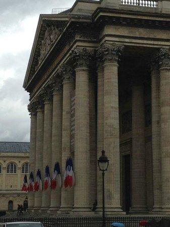 Quartier Saint-Germain-des-Prés : Pantheon is worth a visit