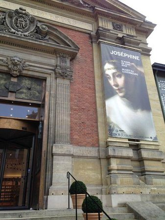Quartier Saint-Germain-des-Prés : The museum at the Luxembourg gardens