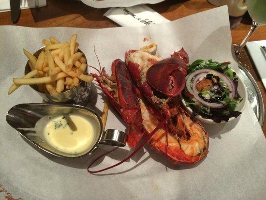 Burger & Lobster - Mayfair: Burger and Lobster. На фото явно не Бургер :)