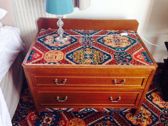The Esplanade : Carpeted seventies scruffy furniture!!