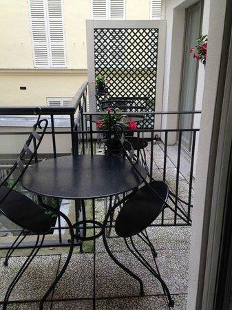 Hotel des Grands Hommes : Cozy veranda