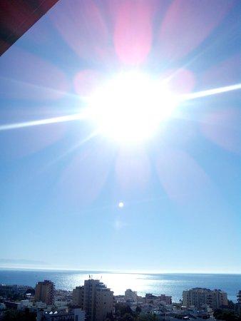 Marina Sur Hotel: Ver salir el sol desde la cama