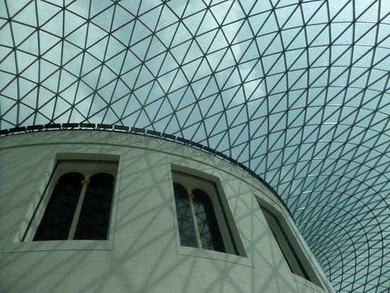 British Museum : The nice great court..