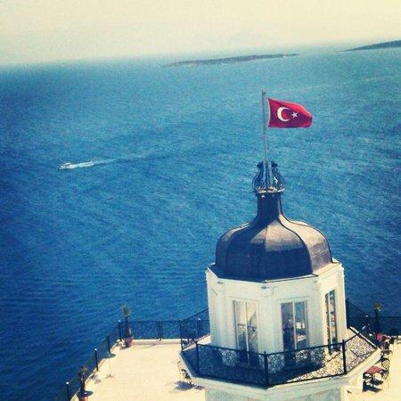 The Blue Bosphorus Hotel: kiz kulesi ana bina teras