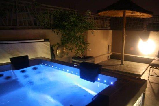 Riad Kasbah 117 Marrakech : le spa qui s'illumine