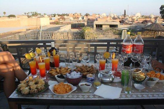 Riad Kasbah 117 Marrakech : le coktail preparé par Salah et karima