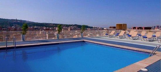 Expo Hotel Barcelona: Piscina en la terraza