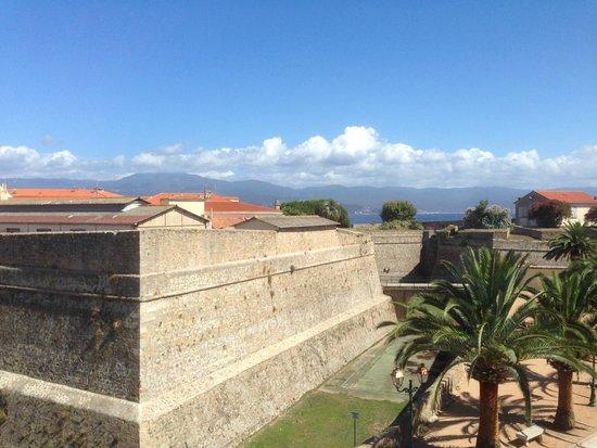 Hotel San Carlu Citadelle : Vue depuis notre chambre