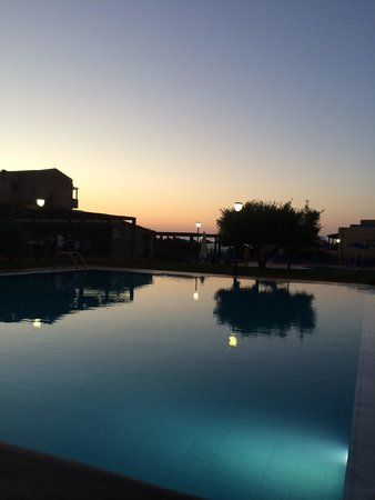 SENTIDO Vasia Resort & Spa : Pool in the evening